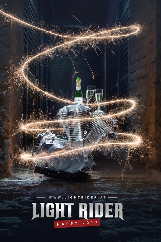 Fotograf Christian Novak Lightpainting Motorblock Sekt 2017 Happy new year