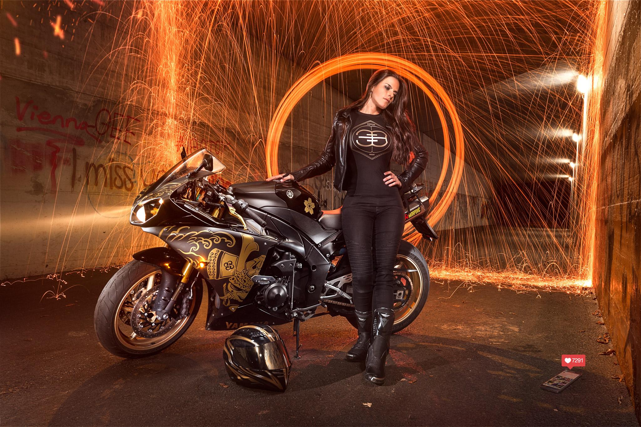 Anika Bankhofer Yamaha R1